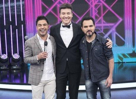 Zezé e Luciano embalam o programa deste domingo (20)