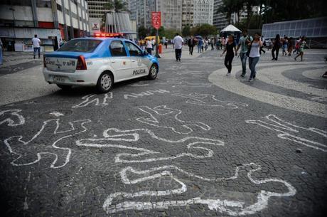 Número de homicídios cresceu mais do que população