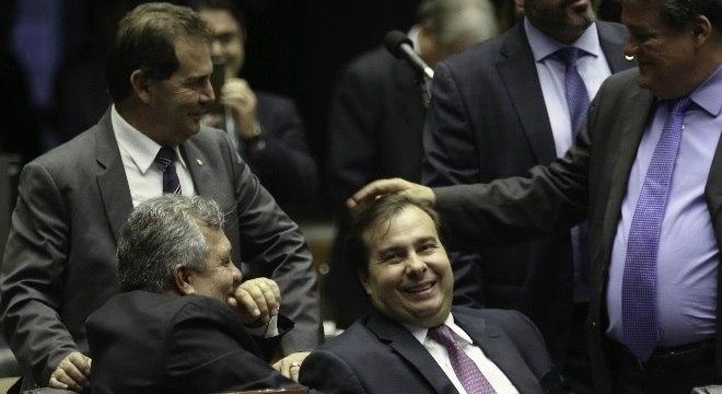 Deputados não entraram em consenso para votar reforma política na terça-feira