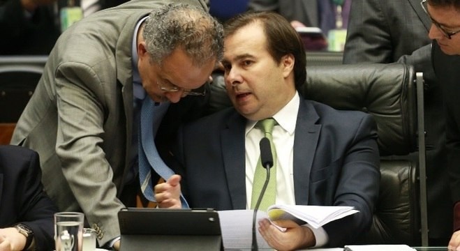 Votação da reforma política será fatiada, decidiu a Câmara dos Deputados