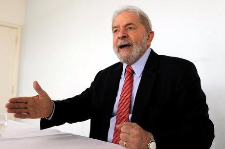 Lula foi condenado por Moro no caso do triplex
