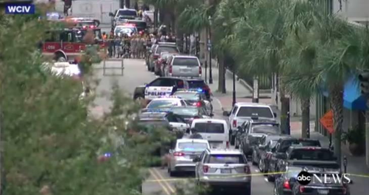 Empregado mata uma pessoa a tiro em ataque a restaurante