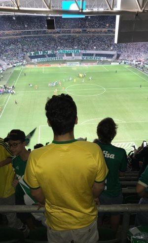 São-paulino usou camisa do Brasil