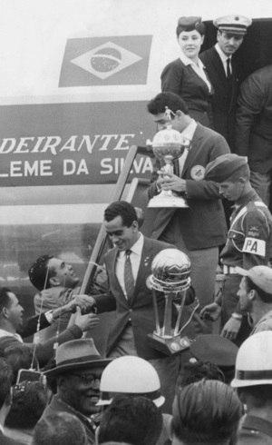 Santos venceu Mundial em 62/63