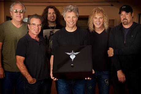 Bon Jovi: com trinta anos de estrada, banda é menos vista que youtubers nas plataformas de vídeos