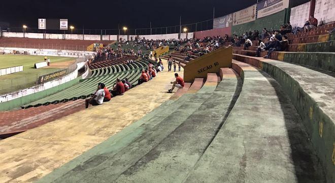 Arquibancada do Canindé tem ficado vazia nos jogos da Copa Paulista