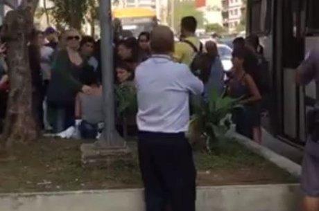 NOTÍCIAS – Por que homem que ejaculou em mulher em ônibus foi solto – e o que isso diz sobre a lei brasileira?