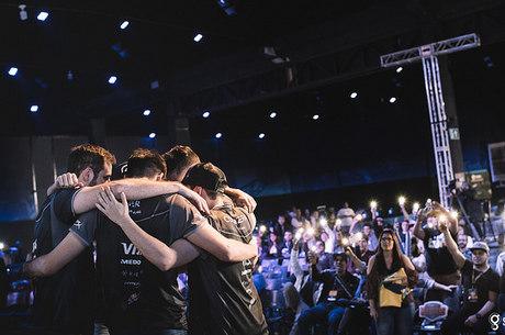 Jogadores da SK Gaming atraíram milhares de fãs ao evento