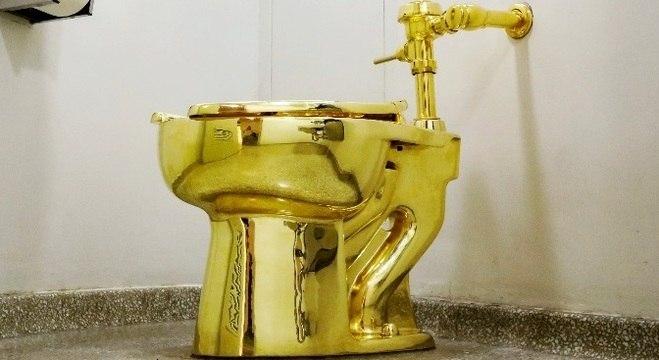 Vaso sanitário de ouro 18 quilates foi roubado do Palácio de Blenheim