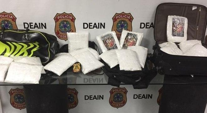 Cerca de 20 kg de cocaína foram apreendidos durante ação da PF