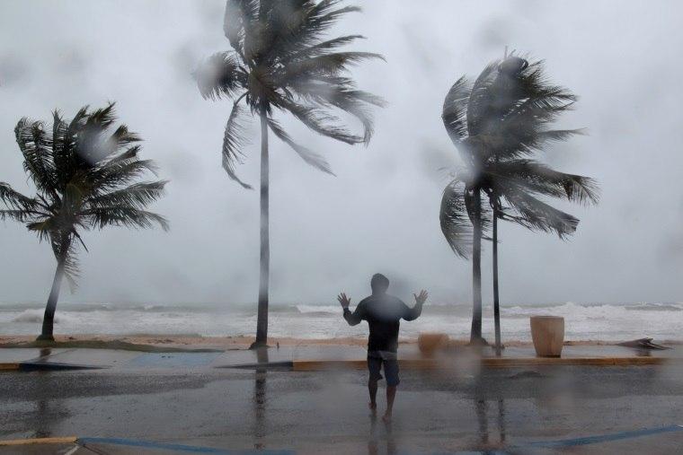 Furacão Irma continua a destruição por onde passa; brasileira relata sofrimento