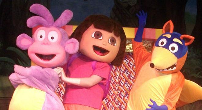 """""""Dora Vai ao Teatro"""" é uma das opções para as crianças da capital baiana"""
