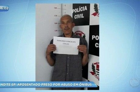 Resultado de imagem para Aposentado é preso após ejacular em mulher dentro de ônibus em SP