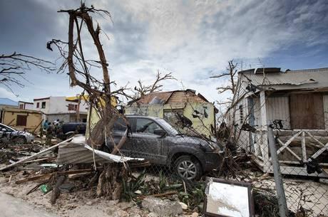 Furacão Irma deixou um rastro de destruição em Saint Martin, no Caribe