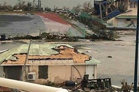 Saint Martin ficou destruída após passagem do furacão