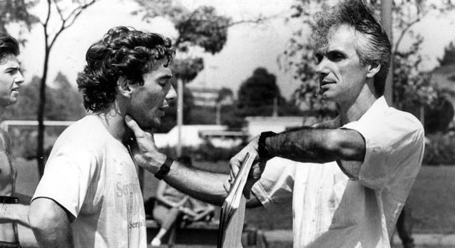 Ayrton Senna e Nuno Cobra em imagem de 1990