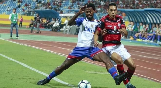 Atlético-GO e Bahia fizeram um jogo bastante brigado e equilibrado