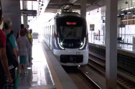 Os passageiros contam agora com 19 estações de metrô e 29 quilômetros de extensão no total, somando as linhas 1 e 2