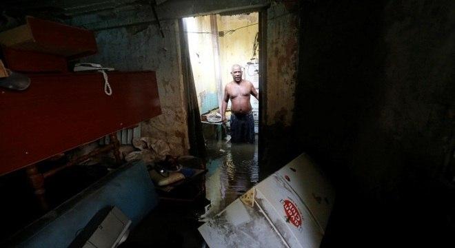 A capital de Cuba, Havana, ficou debaixo d'água após a passagem do furacão Irma