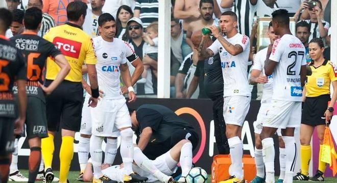 Gustavo Henrique é um dos desfalques do Santos para Libertadores