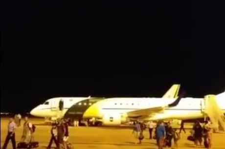 Brasileiros desembarcaram em Brasília por volta da 1h da madrugada