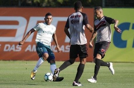 Borja atuou no jogo-treino desta quarta-feira
