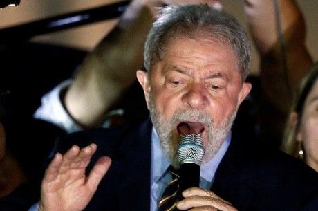 Ex-presidente participou de ato após depor para Moro