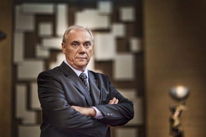 Na Band, Marcelo Rezende comandou o policial Tribunal na TV em 2010