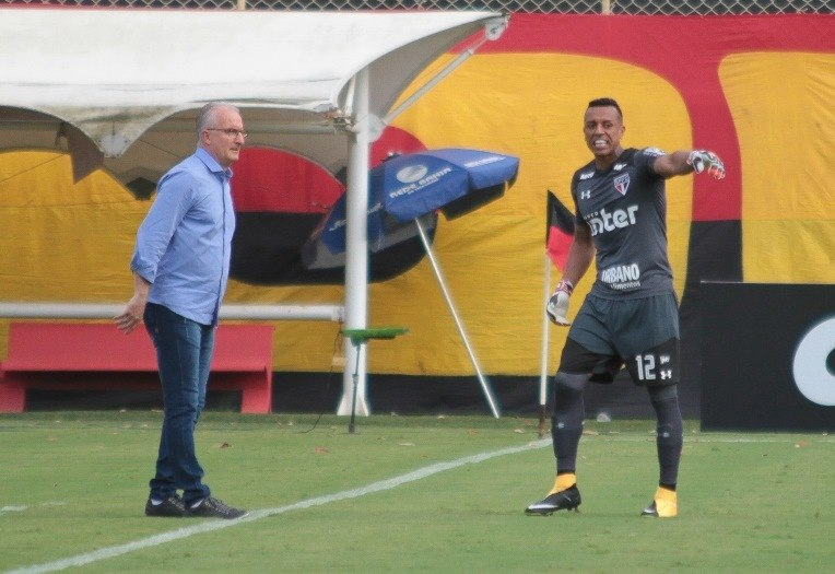 São Paulo cede empate para o Corinthians com Morumbi lotado