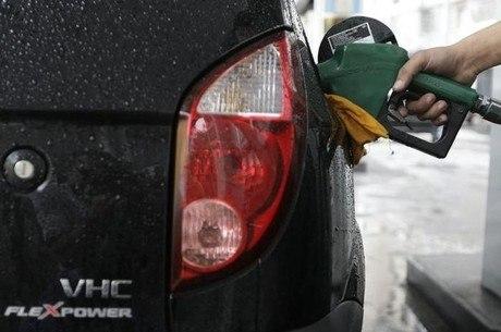 Reajuste integral renderia gasolina R$ 0,003 mais barata