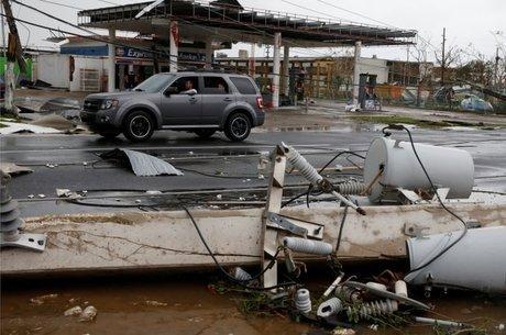 Destruição provocada pelo furacão Maria em Guayama, Porto Rico