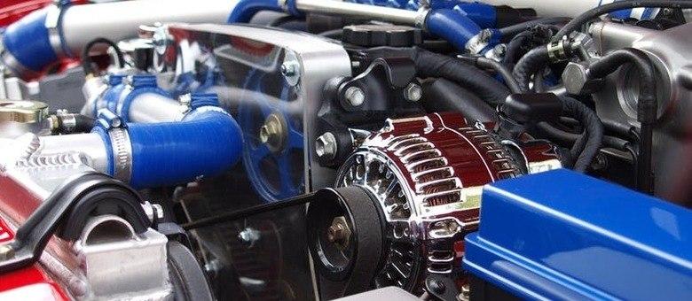 Gasolina aditivada e troca de óleo contribuem para o bom funcionamento do motor