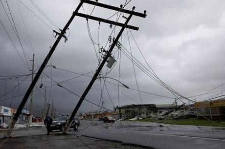A ilha de Porto Rico está sem luz desde que passou o furacão Maria