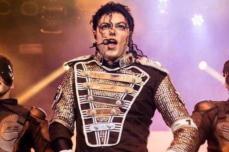 Rodrigo Teaser em show tributo a Michael Jackson