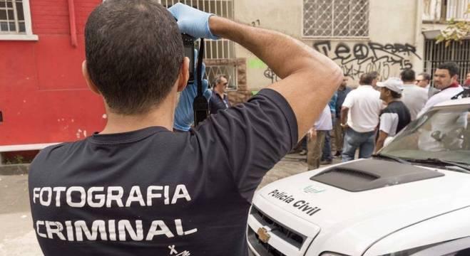 Movimentação em frente à casa de Farah Jorge Farah