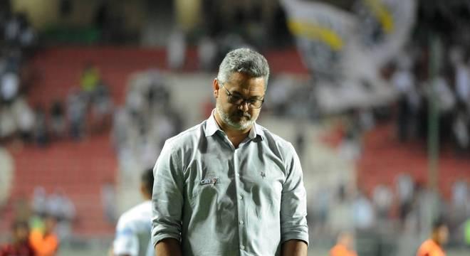 Rogério Micale, ex-treinador do Atlético-MG, lamentou a situação do Galo