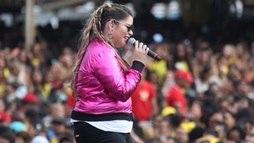 Toda estilosa, Marília Mendonça agita público  em festival de música ()