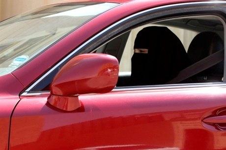Pelas redes sociais várias sauditas comemoraram o avanço