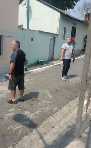 PMs estavam armados na rua
