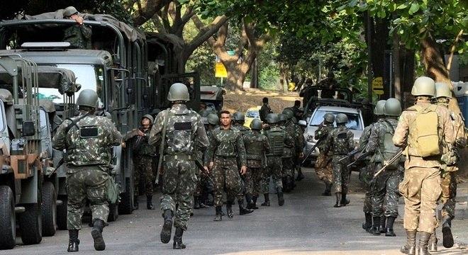 Cerca de 600 homens das Forças Armadas atuam nesta quarta (11) na Rocinha