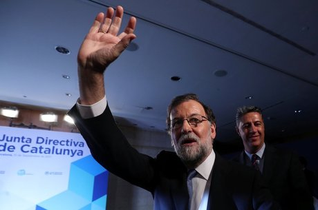 """Premiê espanhol Mariano Rajoy: """"não haverá plebiscito"""" 4) Os catalães realmente querem ser independentes?"""