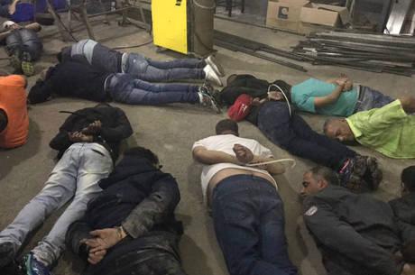 Suspeitos de escavação de túnel foram presos na noite desta segunda-feira (2)