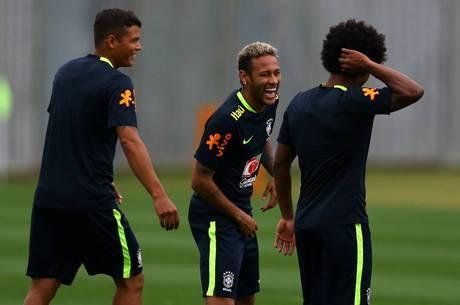 Neymar pretende igualar marca de Romário, com 62 gols pela seleção