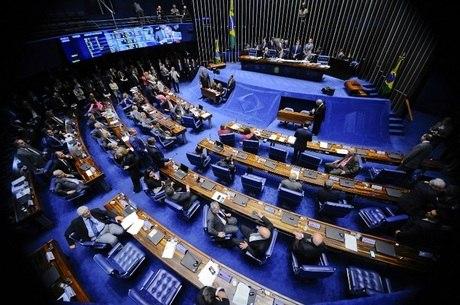 PT lidera como partido que mais perdeu senadores