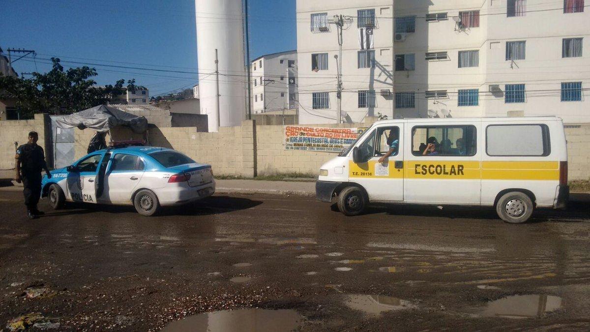 Bandidos sequestram van escolar em São Gonçalo (RJ)