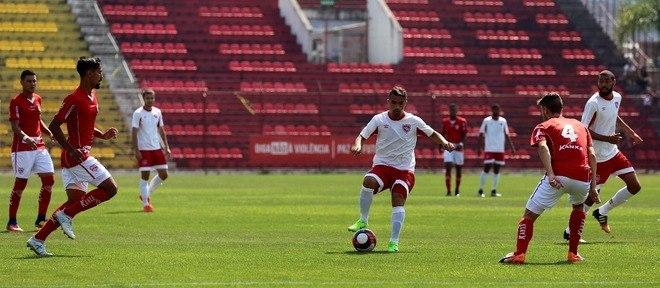 O meio-campista joga a Copa Paulista pelo Desportivo Brasil, de Porto Feliz