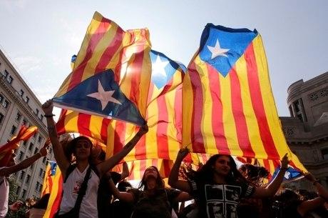 Nos últimos dias, vários protestos feitos a favor da independência da Catalunha