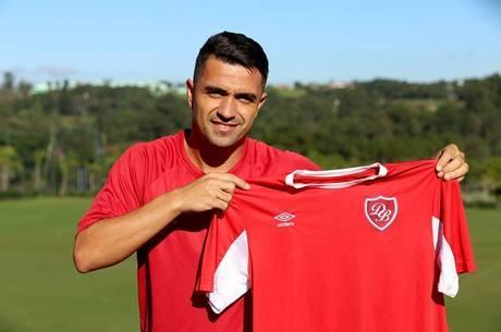 Dinelson assinou com Desportivo Brasil em 2017