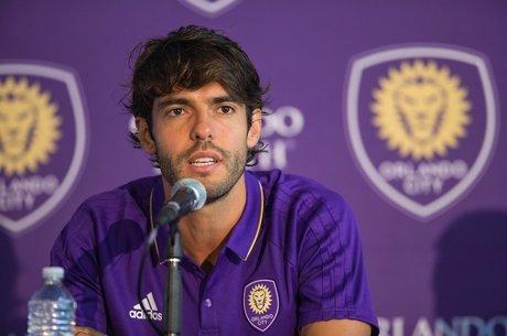 Kaká deu entrevista coletiva para anunciar fim do ciclo