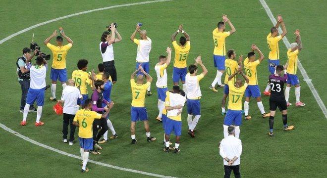 Seleção se despediu do público brasileiro com vitória convincente em São Paulo